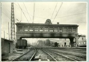 Vista de l'edifici pont
