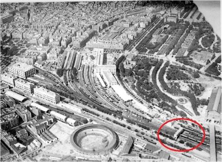 Vista aèria de la estació de França amb la ubicació de l'edifici pont on es trobava la taula d'enclavaments
