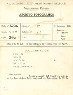 Al darrera de l'imatge anterior trobem aquestes anotacions originals de l'arxiu fotogràfic