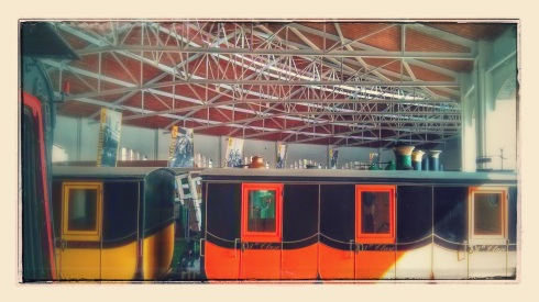 Vista de la Rotonda amb les banderoles de l'Exposició