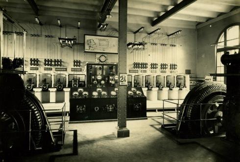 Central térmica de la estación de Barcelona-Término a mediados de siglo XX. Francesc Ribera Colomer.